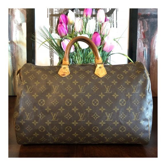 ce0ee3aea11c Louis Vuitton Handbags - 🔥 SALE 🔥AUTHENTIC LOUIS VUITTON SPEEDY 40